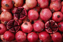 Pomegranates Packed In Shippin...