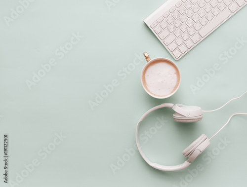 Cuadros en Lienzo Soft Pastel Styled Desk Scenes With Headphones, coffee and keyboard