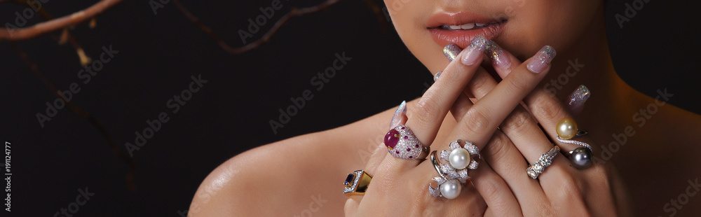Fototapeta Beautiful Woman with Diamond pearl gold rings for Christmas Holiday