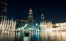 Dubai Fountain Show At Nigh