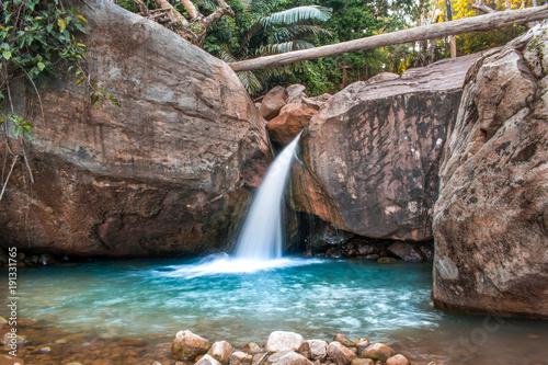 malutki-wodospad-kambodzy