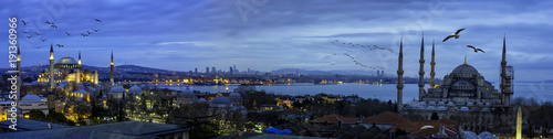 Canvas-taulu Istanbul panoromic photo, The Hagia Sophia and Blue Mosque , sultanahmet square,