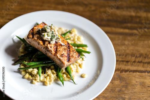 Valokuva  grilled salmon