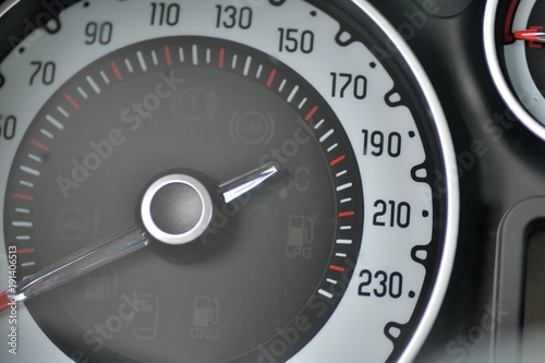 Photo  Compteur de vitesse d'une voiture