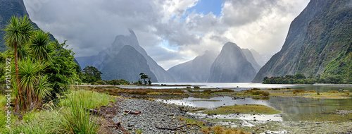 Montage in der Fensternische Neuseeland Panoramic view of Milford Sound (Fjordland, New Zealand)