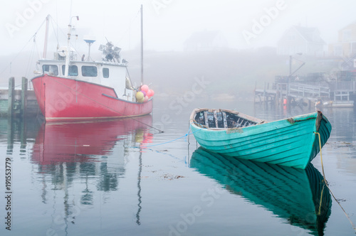 Photographie  Fishing Boats in Harbor on Foggy Morning