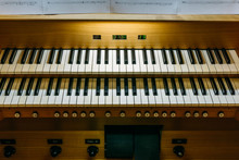 Pipe Organ Keyboard Console
