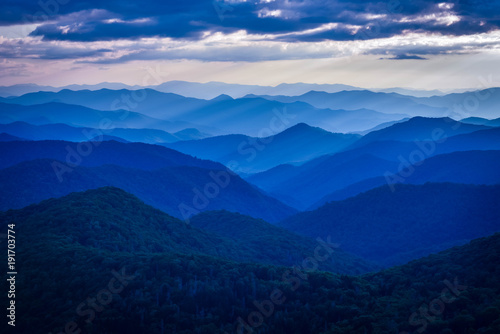 Leinwand Poster blue ridge mountains with blue sky