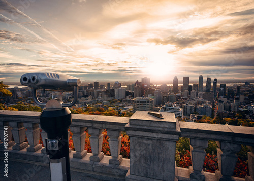 Plakat Montreal City piękny zachód słońca