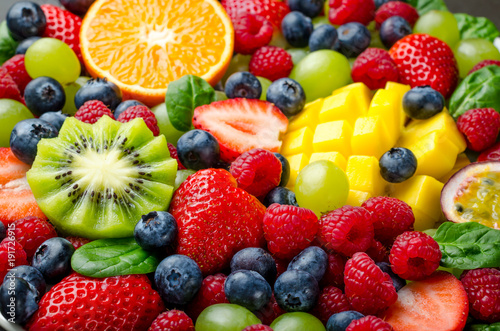 Staande foto Vruchten Fruit platter, close-up