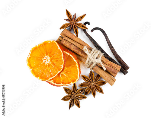 Foto op Aluminium Kruiderij Dried orange slices, cinnamon, star anise and vanilla
