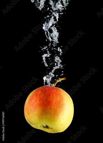 jablko-w-wodzie-1