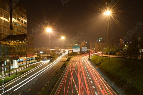 Foto op Aluminium Nacht snelweg Trafic sur la rocade de Lille de nuit