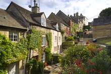 The Picturesque Old Cottages O...