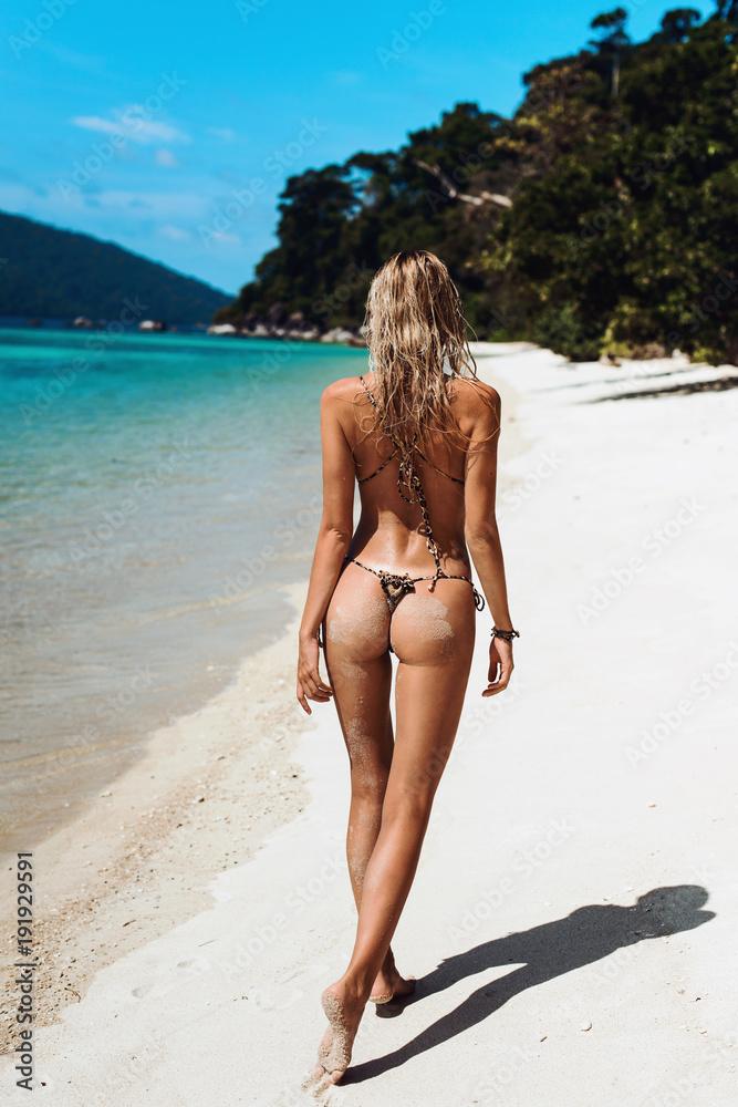 Naked female ass gifs