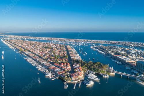 Fotomural Aerial view of Lido Island in Newport Beach harbor in Orange County, California