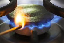 To Light A Natural Gas Burner ...