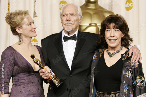 Honorary Oscar Award Winner Director Altman Poses With Actors Streep And Tomlin Backstage At The 78th