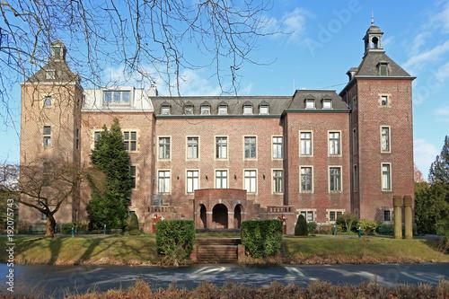 Foto auf Leinwand Historisches Gebaude Schloss Neersen in Willich bei Mönchengladbach