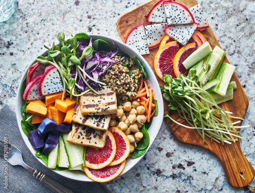 Fototapeta grilled tofu and dragon fruit buddha bowl top view obraz