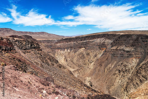Fotografia  Rainbow Canyon viewed from the Father Crowley Vista Point, Death Valley National
