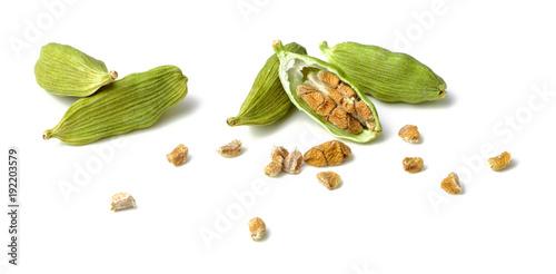Fototapeta dried cardamom seeds isolated on white obraz
