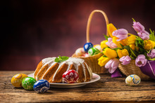 Easter Cake. Traditional Ring ...