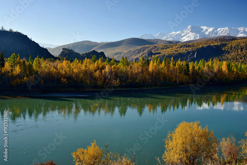 Keuken foto achterwand Groen blauw Russia. The South Of Western Siberia, Autumn in the Altai Mountains, the Chuya river.