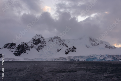 Tuinposter Lavendel Antarctic landscape with mountains view from sea