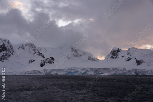 Foto op Aluminium Lavendel Antarctic landscape with mountains view from sea