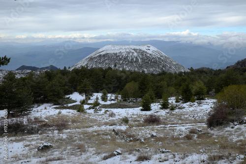 Fényképezés  Nuovo Mount In  Winter Etna Park, Sicily