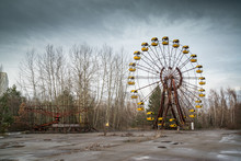 Ferris Wheel In Abandoned Amusement Park In Chernobyl Exclusion Zone, Pripyat, Ukraine