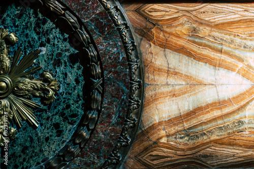 Photo Ancient ornament in an Italian church