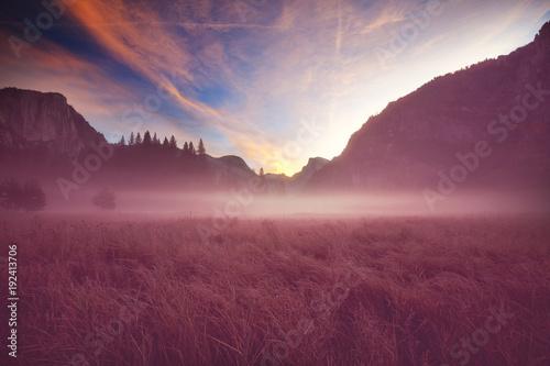 Deurstickers Crimson Yosemite