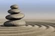 Steinturm im Sand