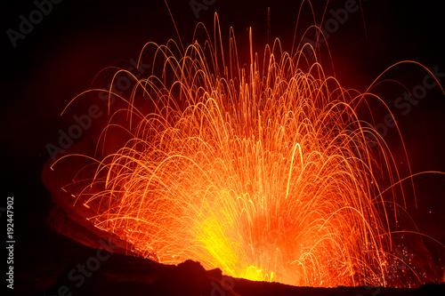 Staande foto Vulkaan Eruption Yasur vulcano, sunset on the crater edge, Tanna, Vanuatu