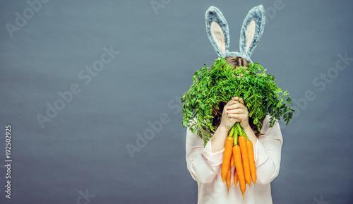 Frohe Ostern( Frau mit Osterhasen Ohren)