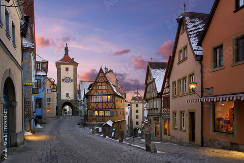 Fotografía  Rothenburg ob der Tauber view of traditional medieval houses at sunset