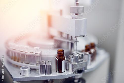 Fotografia  Pharmaceutical production line