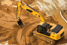 Working Excavator Tractor Digg...