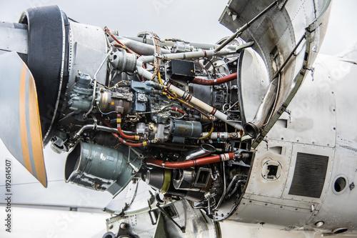Militärtransporter als Turboprop Flugzeug Tapéta, Fotótapéta