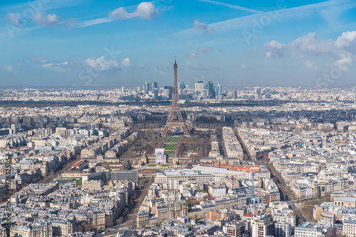 Papiers peints Paris Paris, panorama of the Eiffel tower and la Defense in background, view from the Montparnasse tower