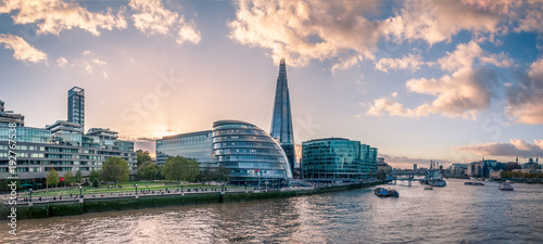 Foto op Canvas Londen Panoramic View of the Thames River