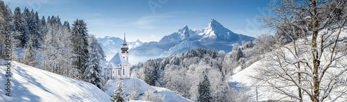 Fotografia  Church of Maria Gern with Watzmann in winter, Berchtesgadener Land, Bavaria, Ger
