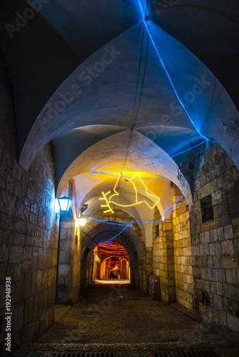 Plakat Ozdoby świąteczne na starym mieście w Jerozolimie