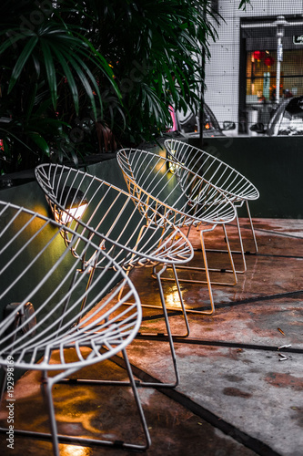 Modern and contemporary white wire net chairs. Outdoor ...