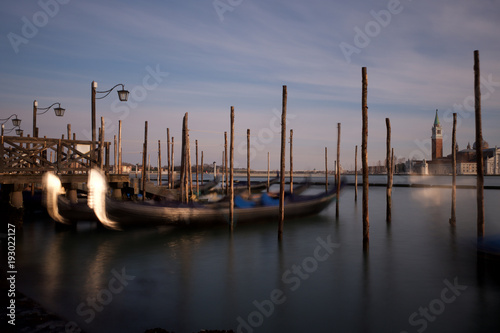 Spoed Foto op Canvas Gondolas Venezia in sogno