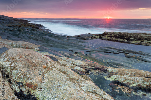 Poster Kust Sunrise at coastline nearby Pemaquid Point lighthouse, Maine, USA
