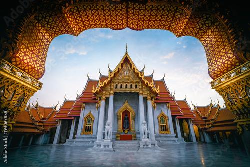 Tuinposter Temple The Marble Temple, Wat Benchamabopitr Dusitvanaram Bangkok Thailand
