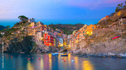 In de dag Liguria Riomaggiore, the first city of the Cique Terre in Liguria, Italy